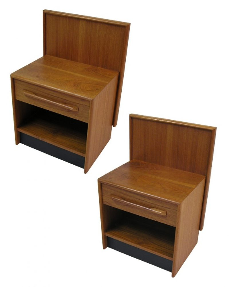 1970s Teak Night Stands w/Sculpted Pulls *Pair*