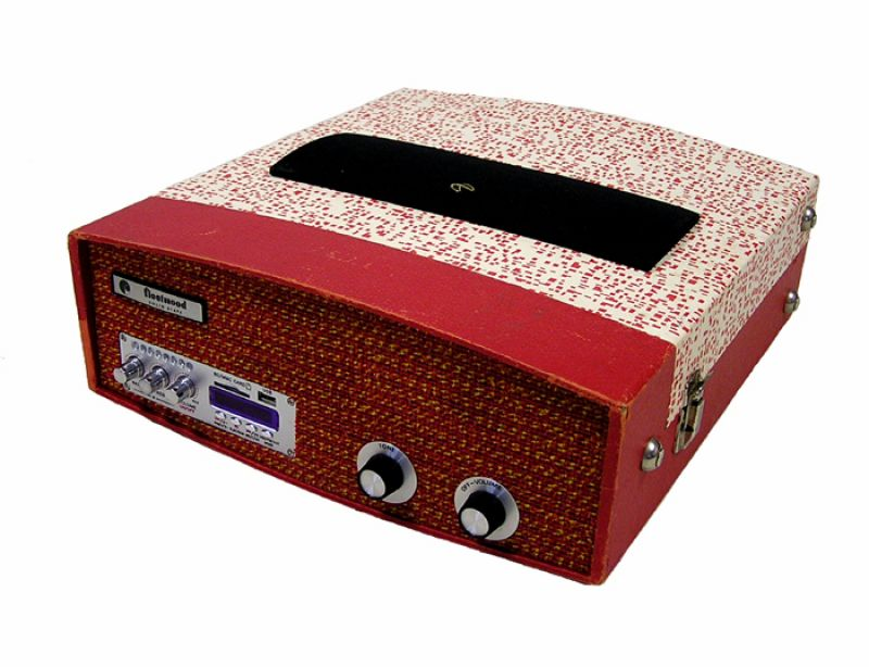 """Portable Turntable Case Stereo By """"Sounds Vintage"""""""
